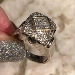 Jewelry - ❤️ 18k solid gold diamond ring